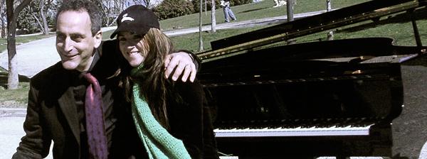 Con Cristina Santolaria después de un concierto en el parque.
